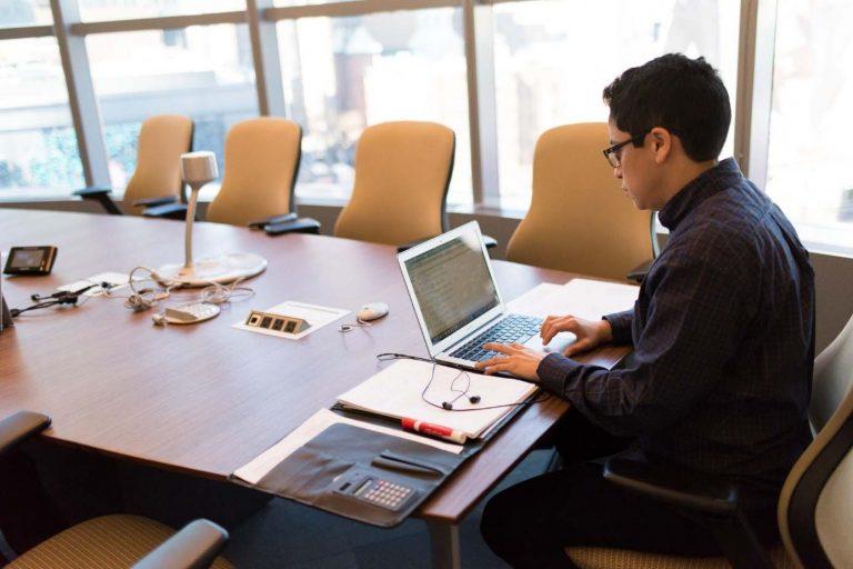 Header - Web und Videokonferenzen erfolgreich durchführen